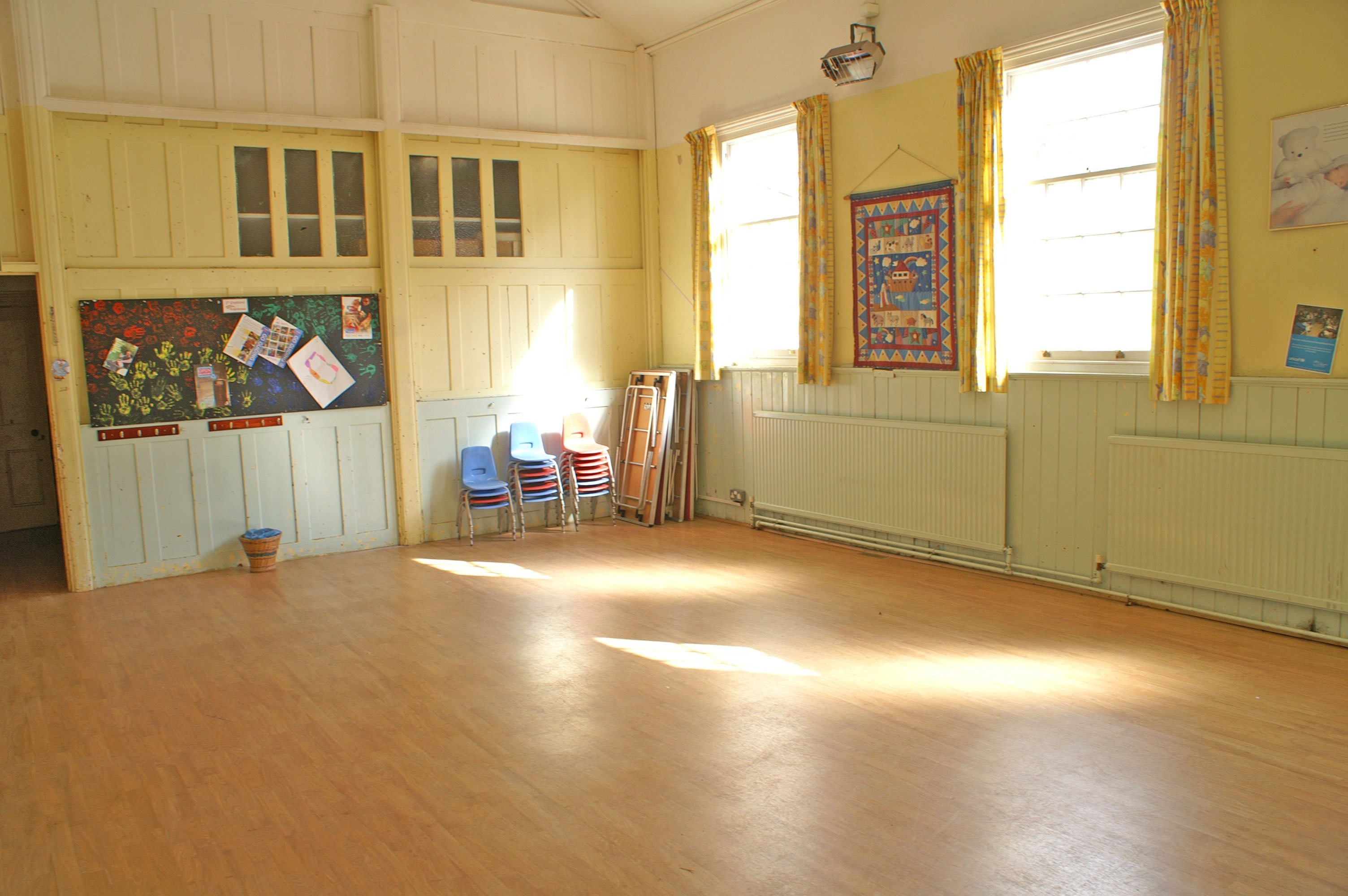 Smaller rear hall-Primary Room